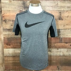 Boy's Youth XL Nike Pro Combat Swoosh Fitted Top